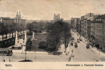 Mariannenplatz, Feuerwehrbrunnen und Bebauung. Sammlung U. Horb