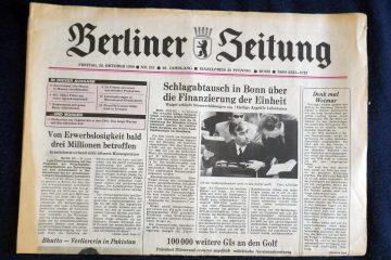 """Konkurrenz auf dem Zeitungsmarkt: die """"Berliner Zeitung aus dem Ostteil der Stadt. Foto: Ulrich Horb"""